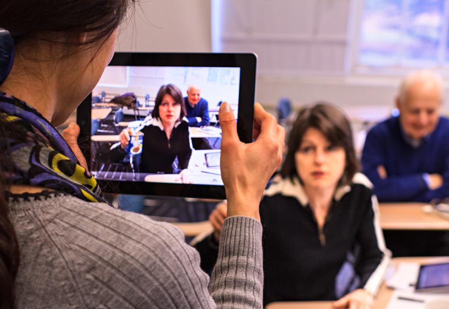 Faculty use iPads